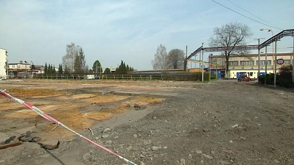 Dělníci začnou stavět v areálu VOP v Novém Jičíně během několika dní