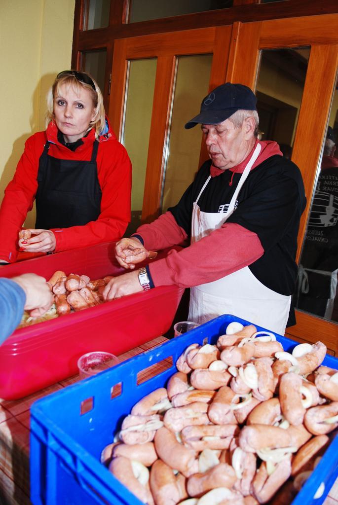 Rekord v uložení špekáčků - Žlebské Chvalovice