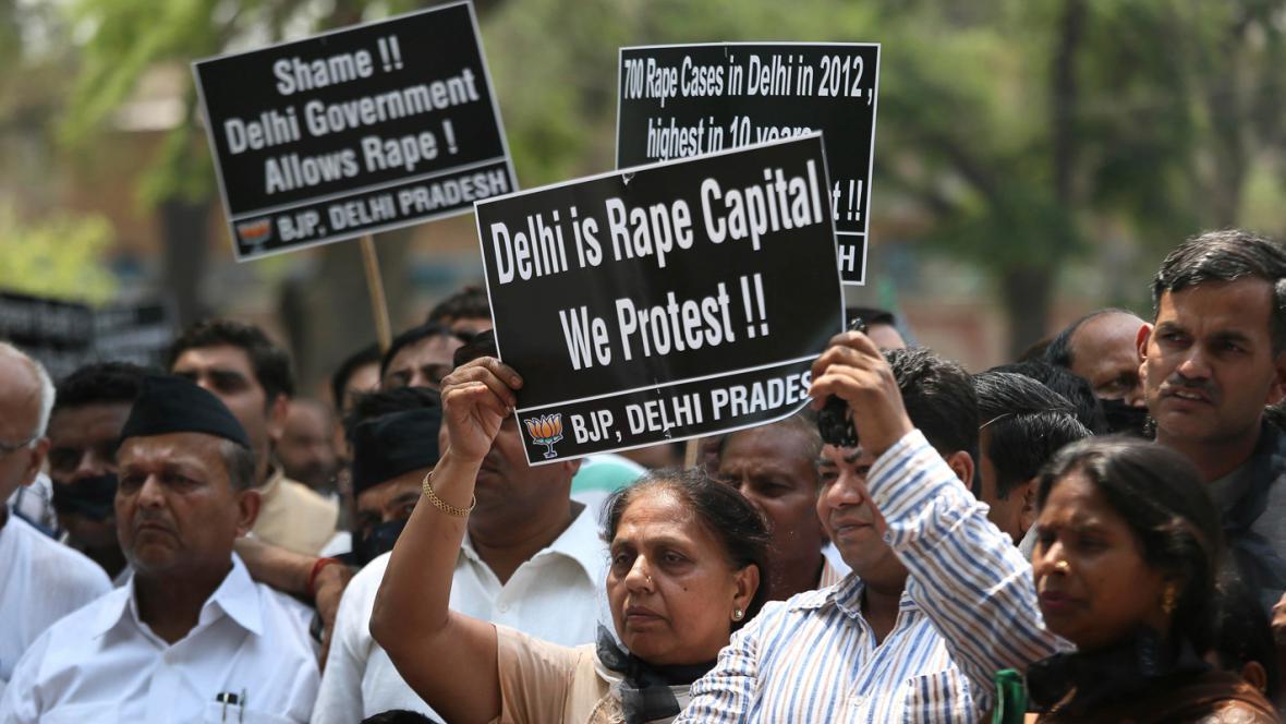 Indické nepokoje kvůli znásilnění dítěte