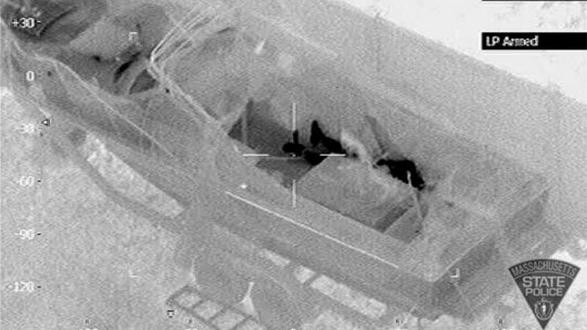 Člun Davida Henneberryho, ve kterém se ukrýval Džochar Carnajev