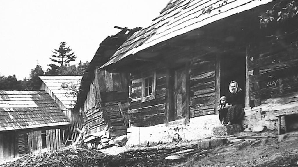 Obec Ploština na dobové fotografii