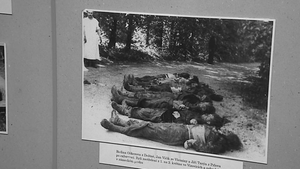 Oběti masakru v Ploštině