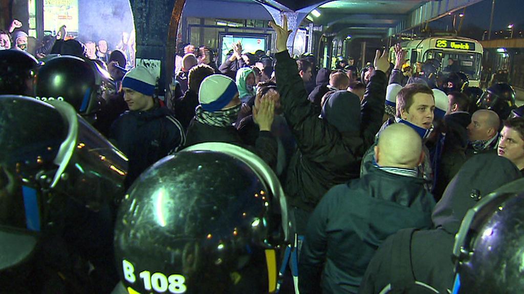 Fanoušci Baníku Ostrava míří po prohraném zápase zpět domu
