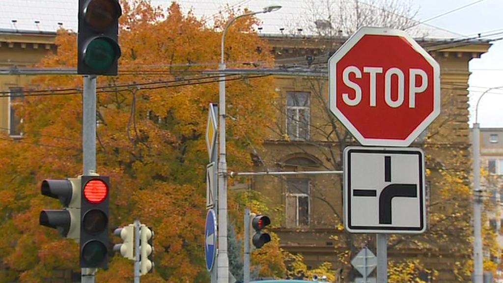 Jihočeši si stěžují na zbytečně mnoho dopravních značek