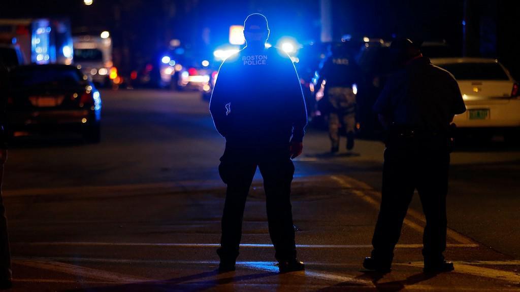 Policejní zásah v ulici Franklin Street na bostonském předměstí Watertown