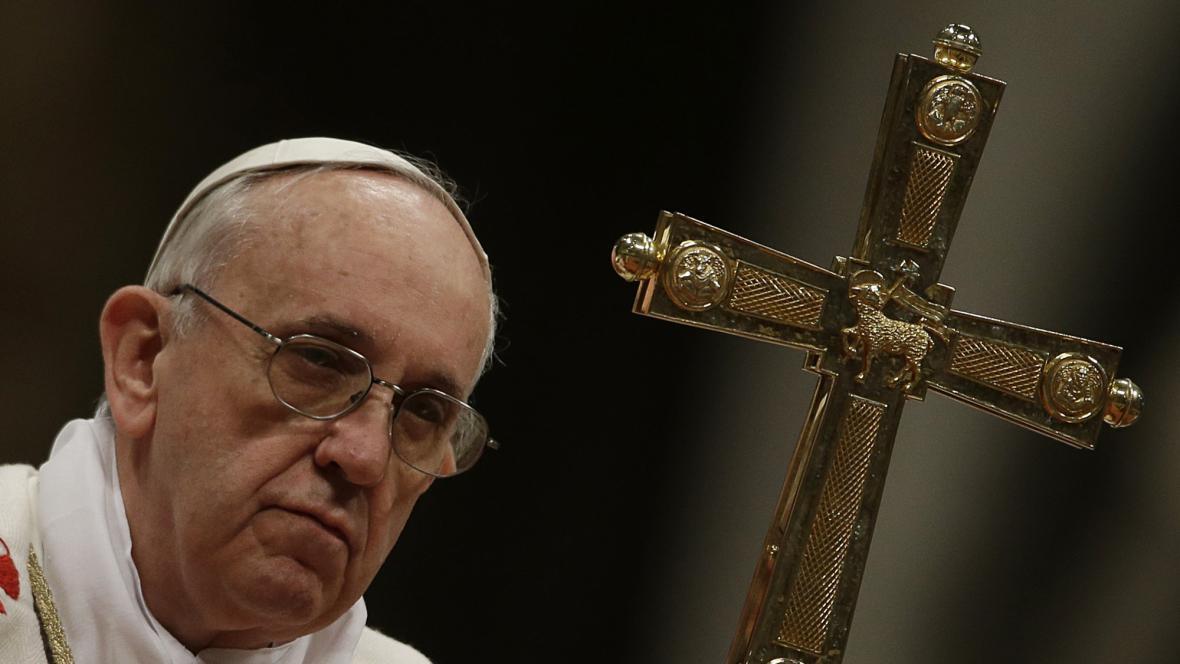 Papež odsloužil svou první křižmovou mši