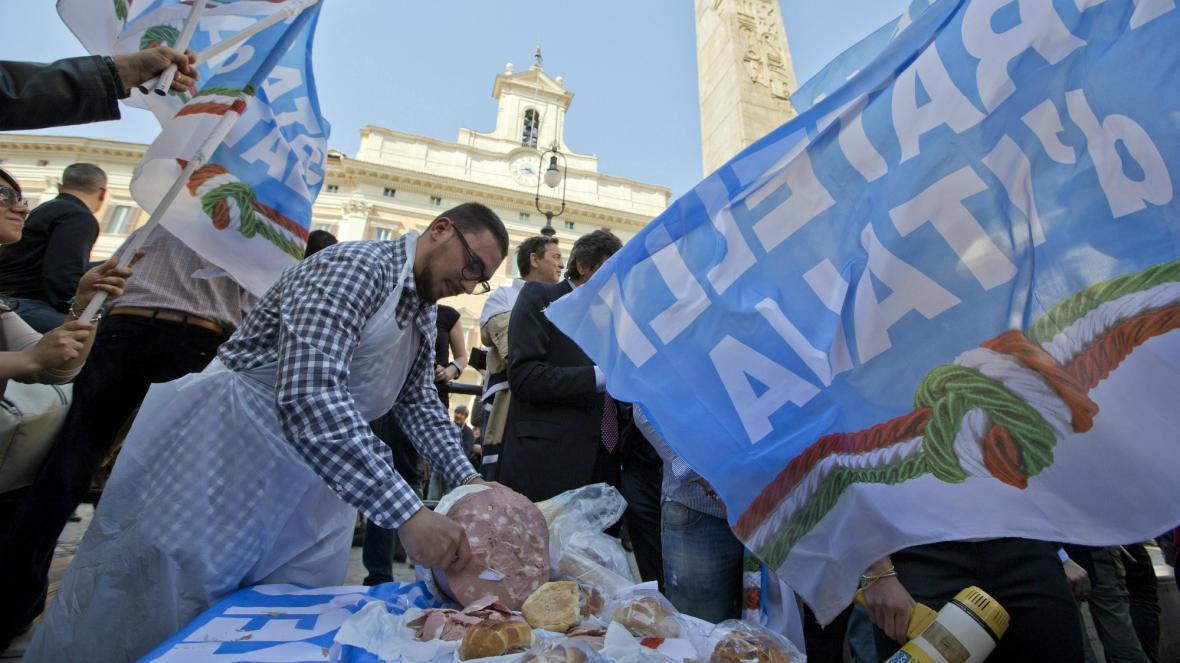 Protest proti Romanu Prodimu