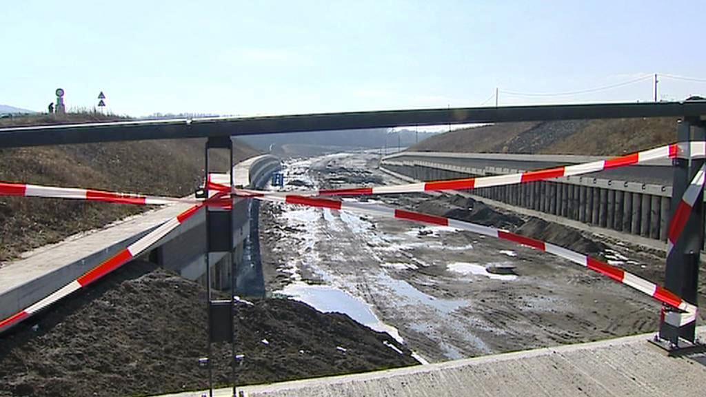 Výstavba dálnice D8
