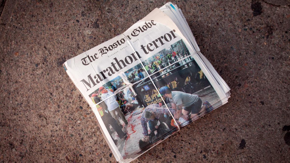 Noviny o útoku na maratonu