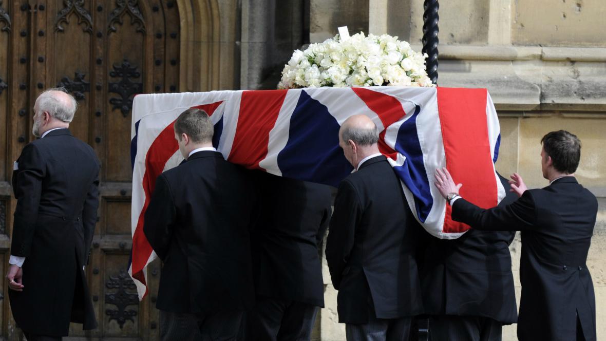 Ostatky Margaret Thatcherové byly převezeny do Westminsteru