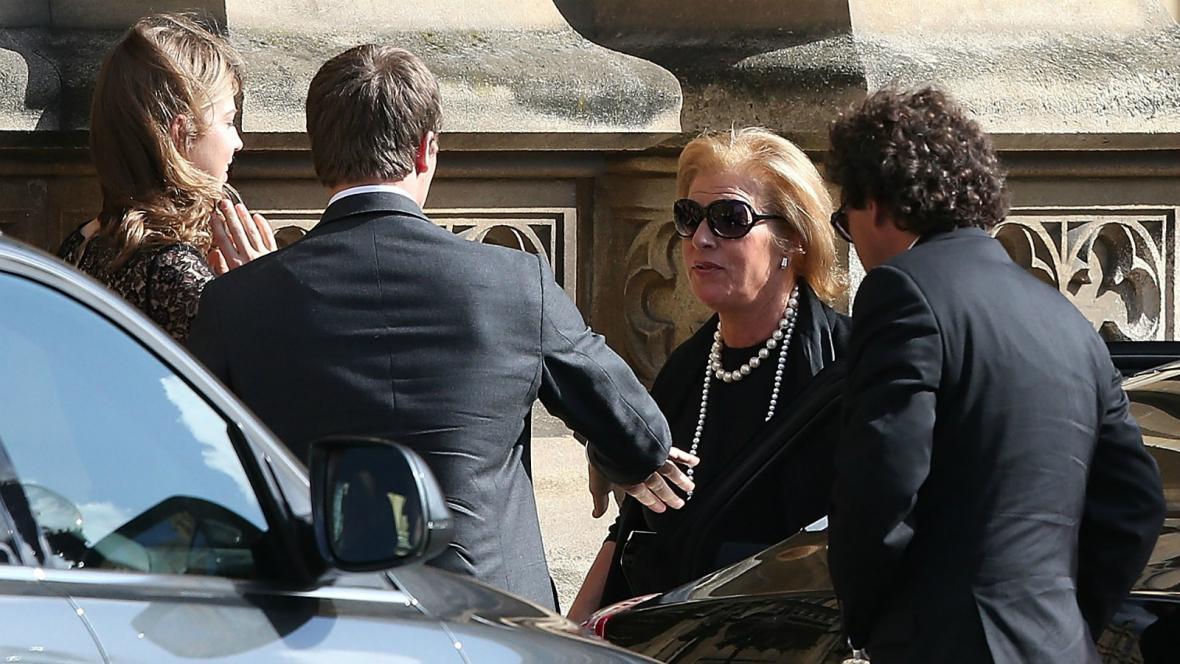 Dcera Thatcherové přichází na mši do Westminsteru