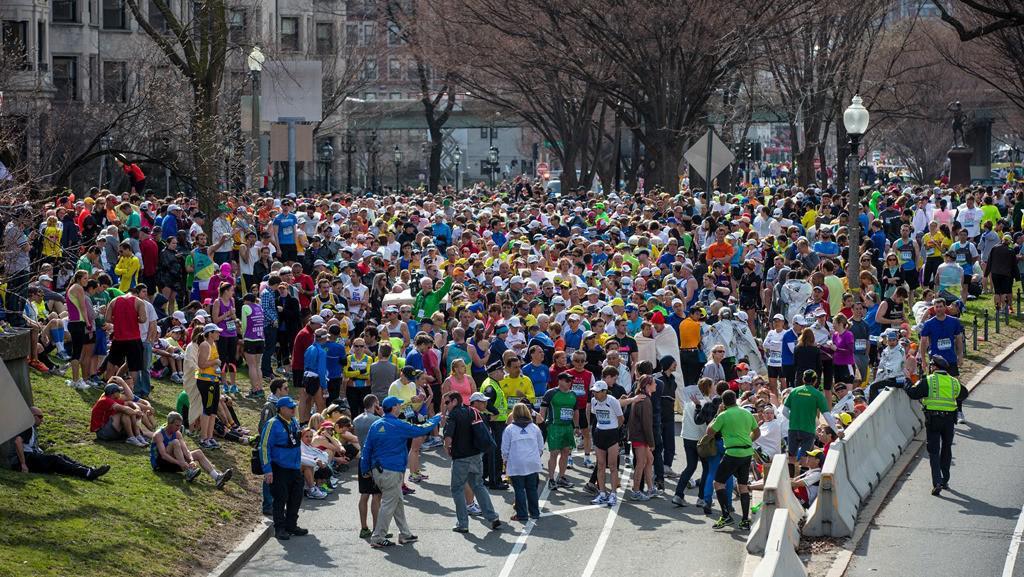 Shromáždění běžců na Commonwealth Avenue