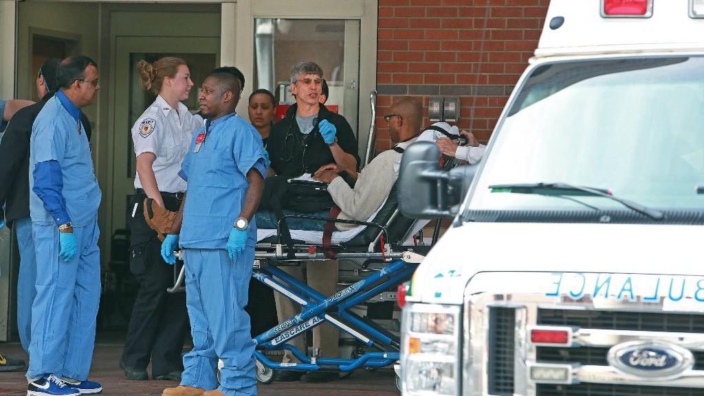 Převoz raněných do nemocnice
