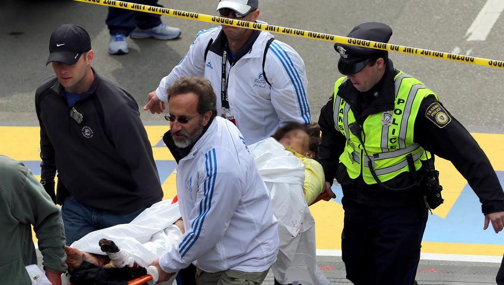 Záchranáři během zásahu v Bostonu