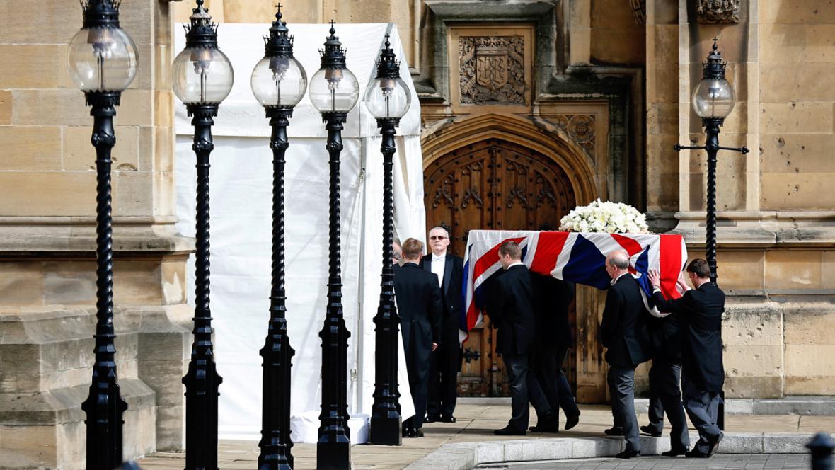 Převoz rakve s ostatky Margaret Thatcherové