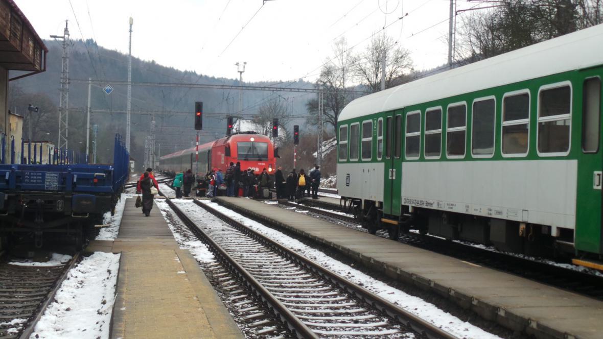 Vlaky od srážky dělilo jen několik metrů