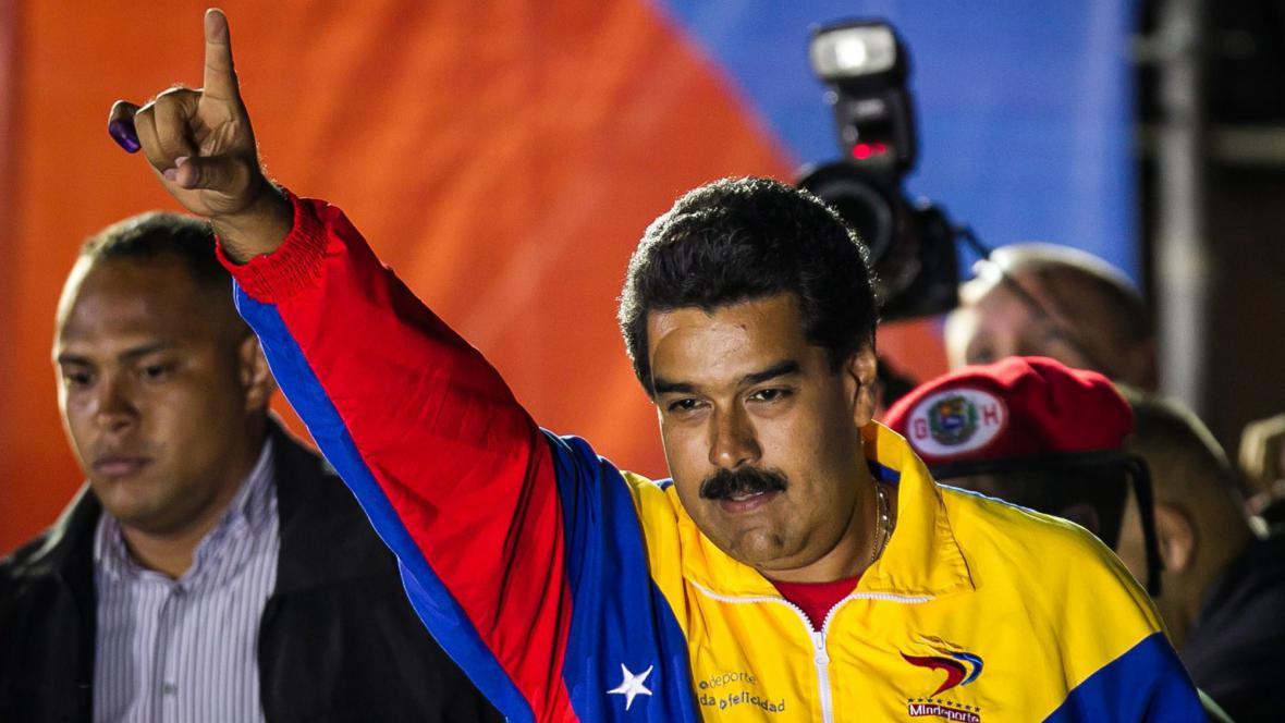 Nicolás Maduro slaví vítězství