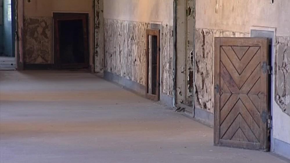 Loucký klášter musí zůstat sloužit veřejnému zájmu