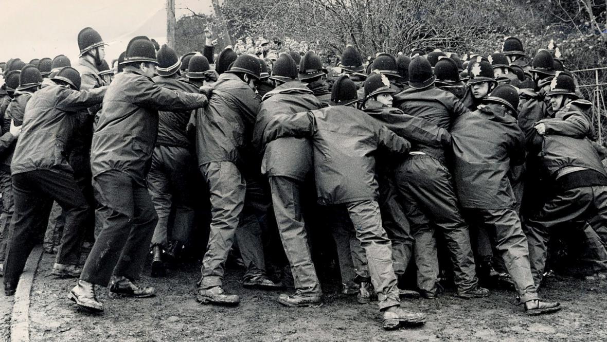 Potlačení demonstrace anglických odborářů v 80. letech