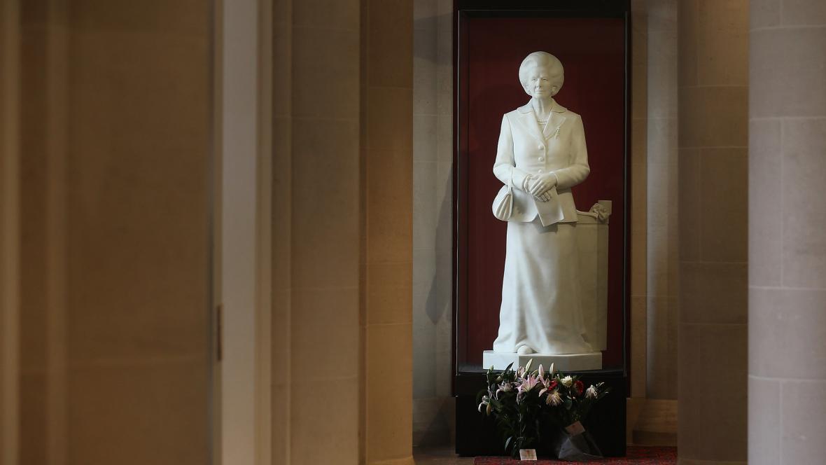 Socha Margaret Thatcherové