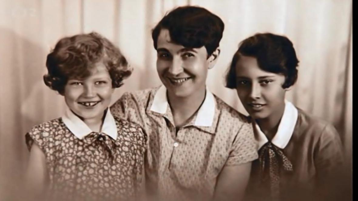 Zorka Janů a Lída Baarová s matkou