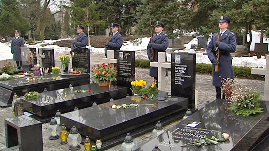 Pieta za oběti letecké tragédie ve Smolensku