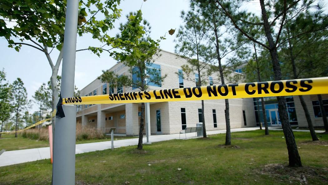 V Lone Star College pobodal útočník několik lidí
