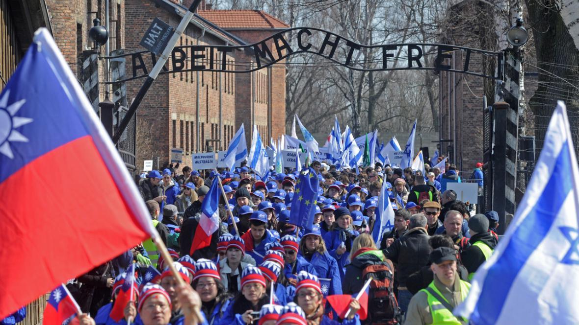 Pochod živých v Osvětimi