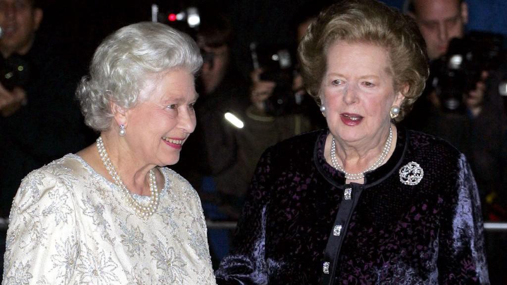 Alžběta II. a Margaret Thatcherová