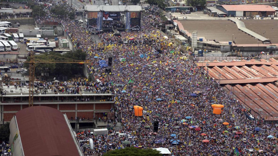 Shromáždění příznivců Henriqua Caprilese