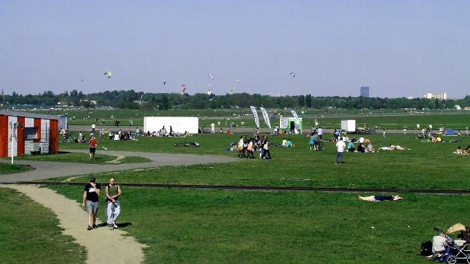 Letní idyla na letišti Tempelhof