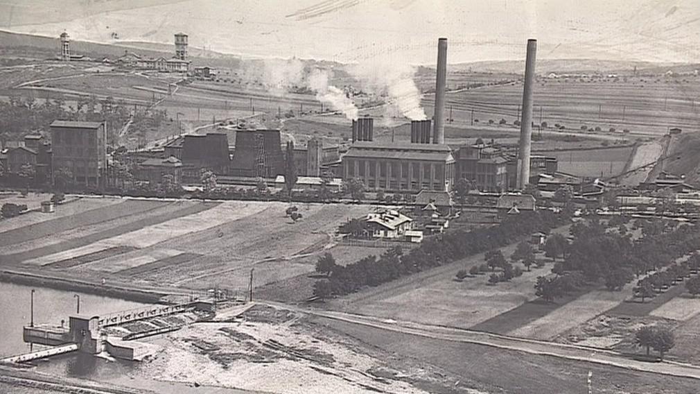Historický snímek elektrárny v Oslavanech