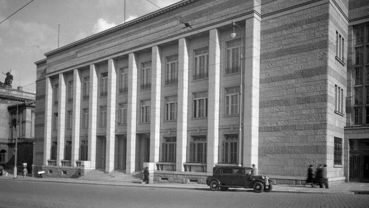 Budova předválečné burzy, rok 1938