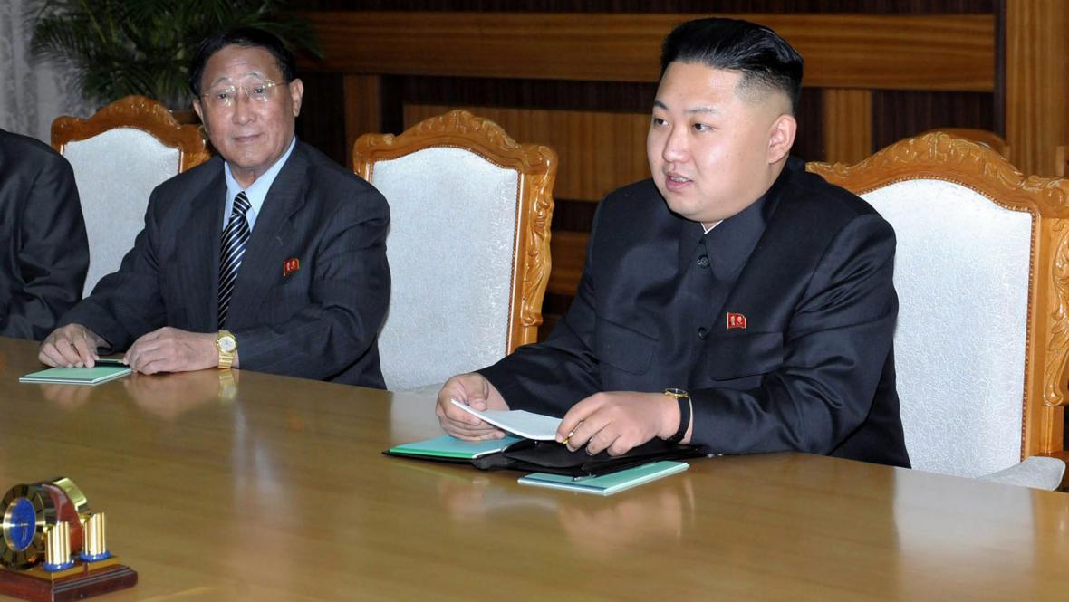 Korejský vůdce při jednání s čínskou delegací