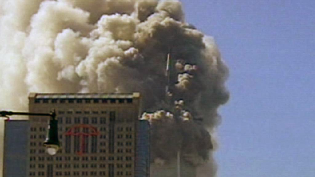 Padající věže WTC zvířily tuny prachu