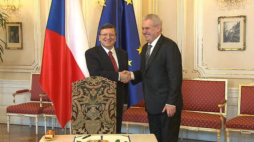 Miloš Zeman podepsal euroval