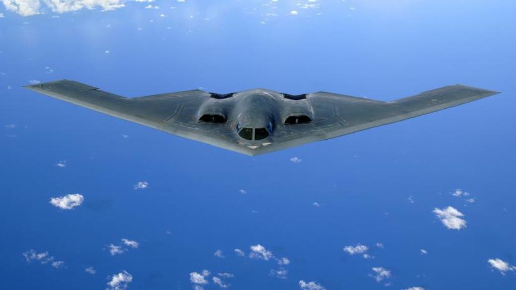 Bombardér B-2