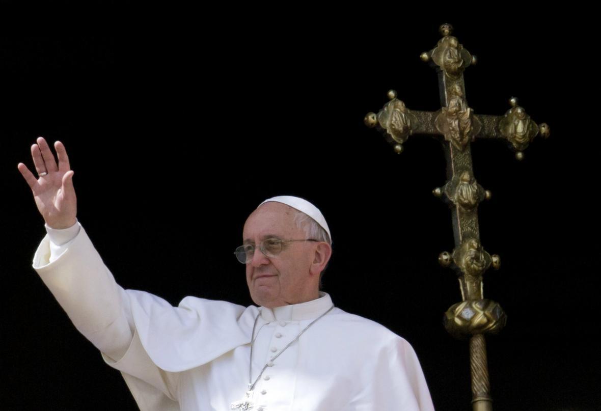 František udělil požehnání Urbi et Orbi