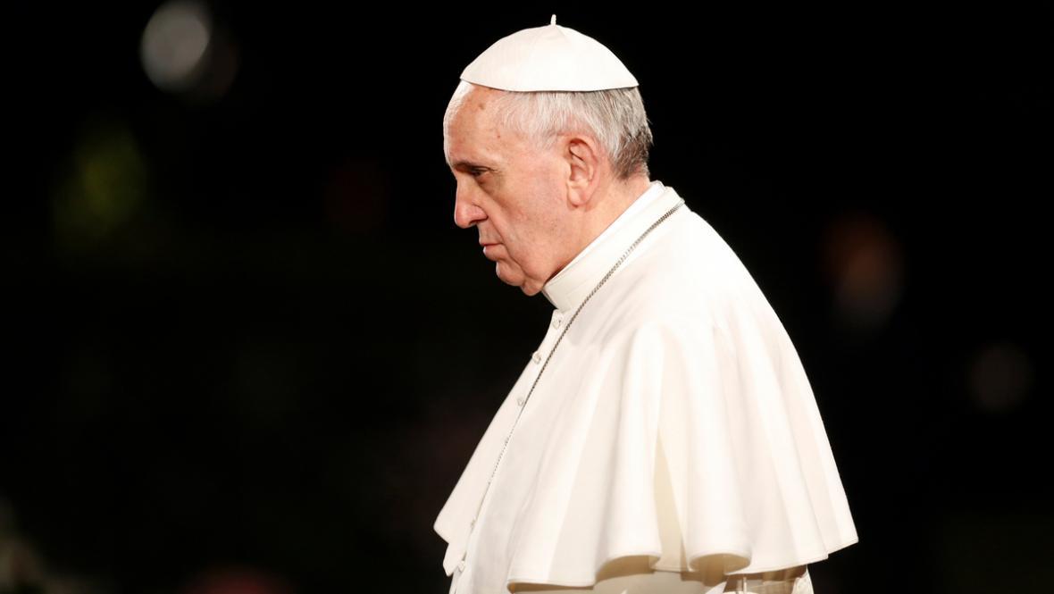 František na křížové cestě v Koloseu