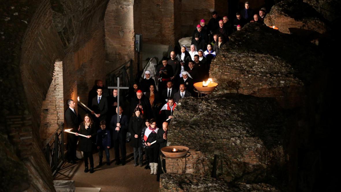 Křížová cesta v Koloseu