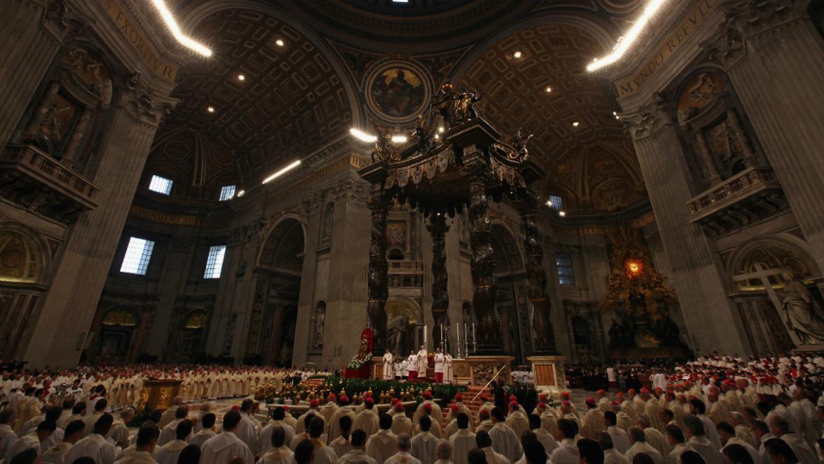 Velkopáteční liturgie ve Svatopetrském chrámu