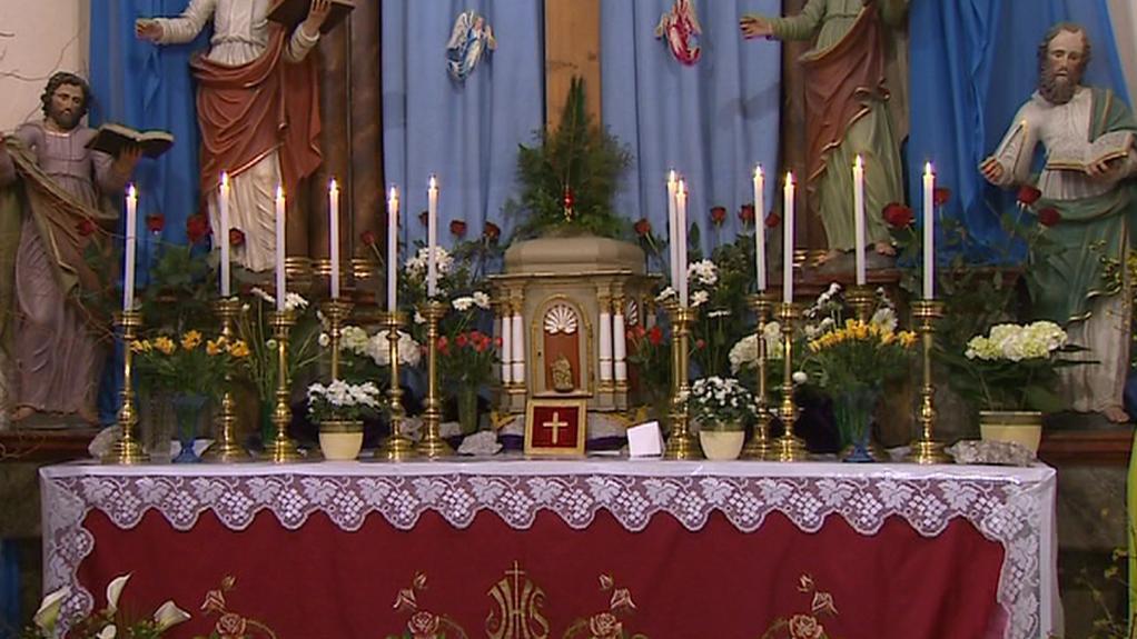 Oltář v kostele v Klokotech