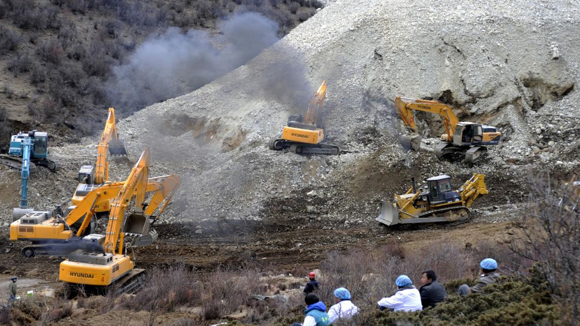 Sesuv půdy na důl v Tibetu