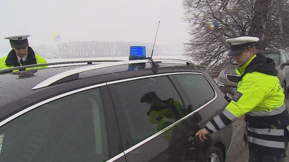 Hlídka při silniční kontrole