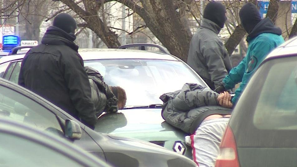 Policie zadržela celkem 5 mužů
