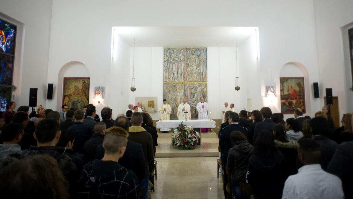 Papež sloužil mši ve věznici pro mladistvé