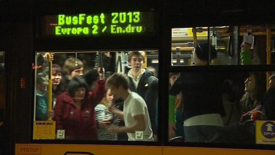 Večerní Zlín patřil Busfestu