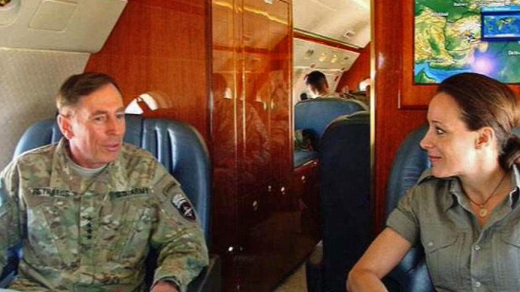 David Petraeus a Paula Broadwellová