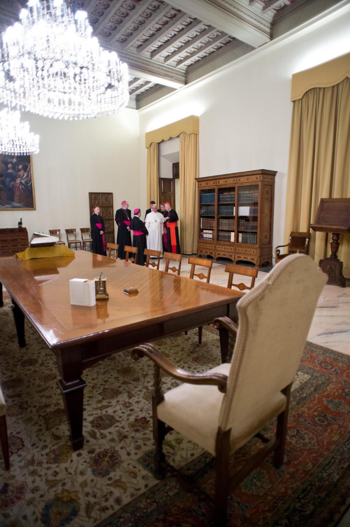 František papežské apartmá jen navštívil