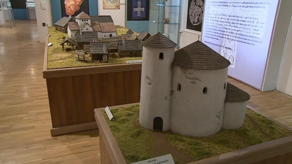 Modely původní podoby sídlišť z 9. století
